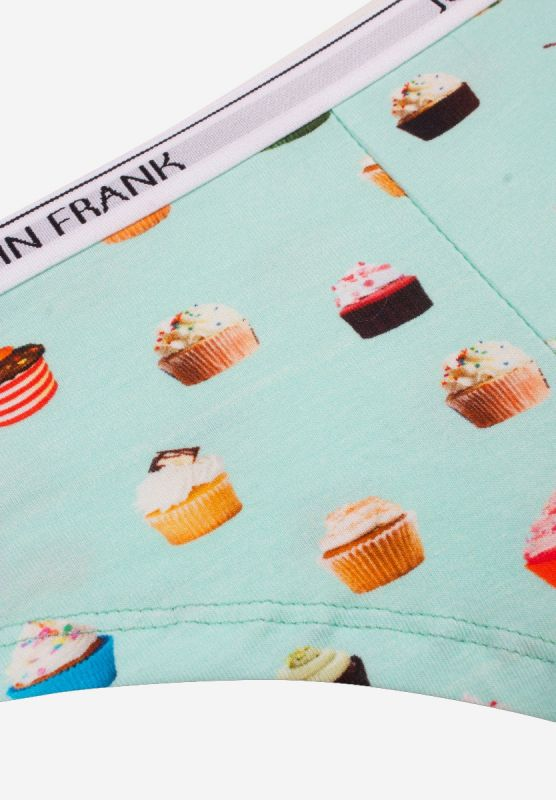 hipster-woman-cupcake-details.jpg