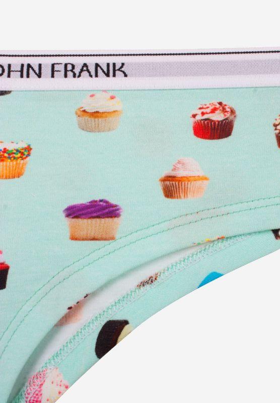 hipster-woman-cupcake-details1.jpg